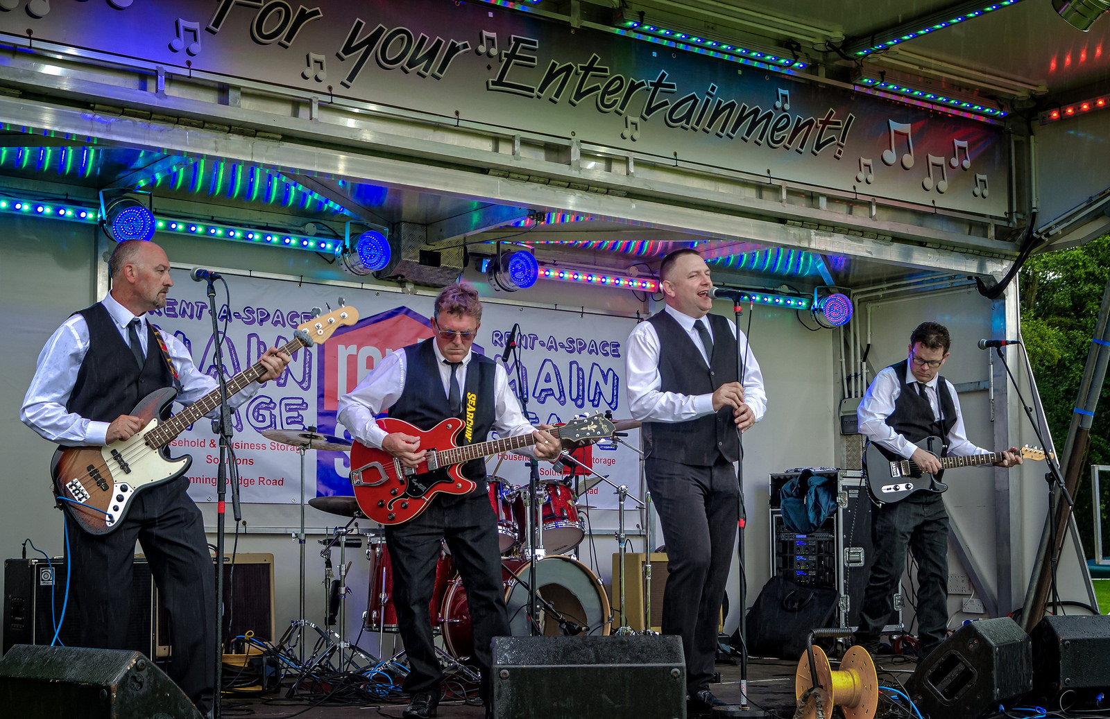 Searchin`- Sixties Merseybeat Tribute